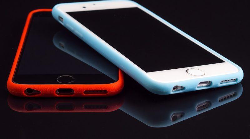 telefony w etui